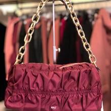 New arrivals.... new collection ❤️ Borsa Nali €78 disponibile anche nero Per info e spedizioni gratuite: Direct o Whatsapp 3495274138 o visita il sito www.closerstore.it  #newcollection #naliaccessori #bag  • • • 👜 #bags #bag #purses #toptags #clutch #fashionbag #bagslover #bagslovers #newcollection #handbags #trendy #trend #crossbags #musthave #accessories #klosetbag #purse #clutches #fashionista #musthavebags #bagaddict #clutchbag #bagcharms #bagsholic #shopping #style #bagoftheday
