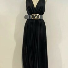 New arrivals….. New collection 🖤 Tuta Souvenir €115 Cintura Vicolo €69 Acquista su www.closerstore.it e per info: Direct o whatsapp 3495274138 #newcollection #souvenirofficial #jumpsuit #black • • • 👗 #ootd #outfitoftheday #toptags #lookoftheday #fashion #fashiongram #outfitinspo #outfitgoals #outfitinspiration #currentlywearing #lookbook #metoday #whatiwore #whatiworetoday #ootdshare #outfit #clothes #portraitmood #mylook #fashionista #todayimwearing #instastyle #instafashion #outfitpost #fashionpost #todaysoutfit